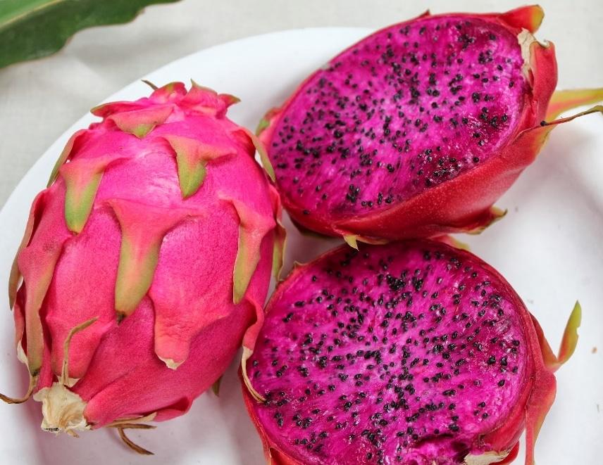 http://www.faunadanflora.com/wp-content/uploads/2016/08/buah-naga-merah.jpg