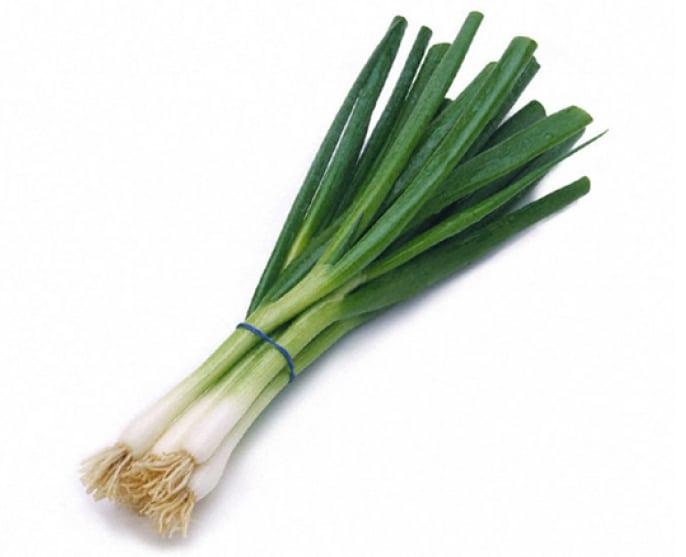 manfaat-daun-bawang